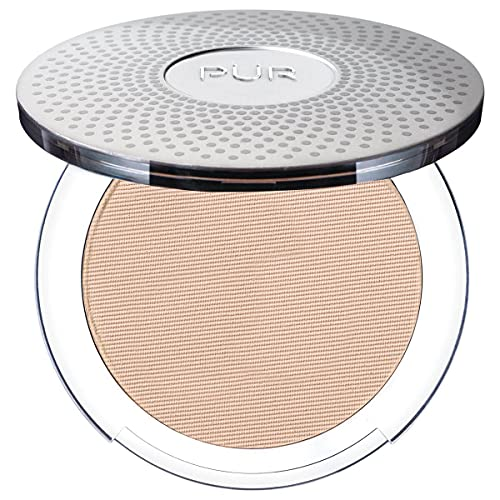 PÜR 4-in-1 Pressed Mineral Makeup with Skincare Ingredients in Light