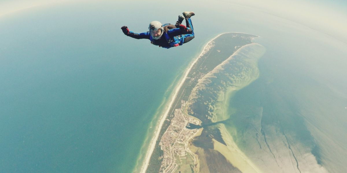 recreational activities - skydiving