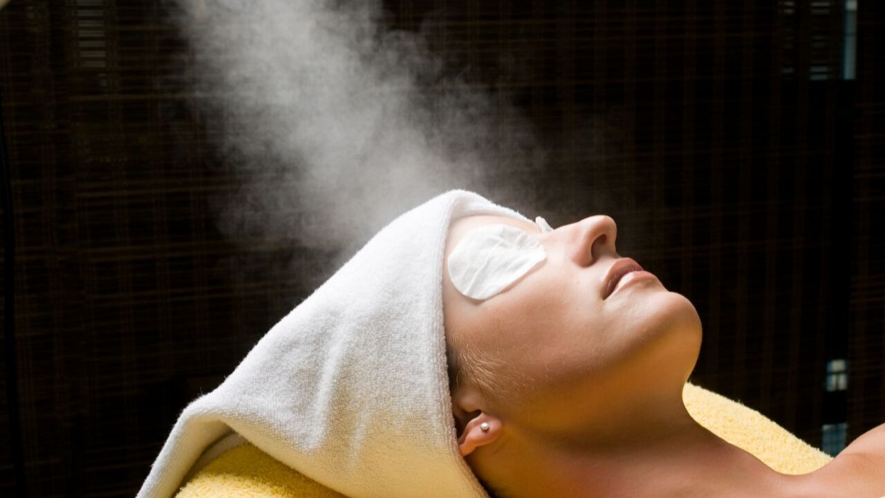 Benefits of facial steaming-how to steam your face for acne