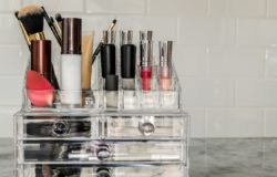 5 Simple Steps to Keep Your Makeup Space and Vanity Clean and Organized using Makeup Caddy