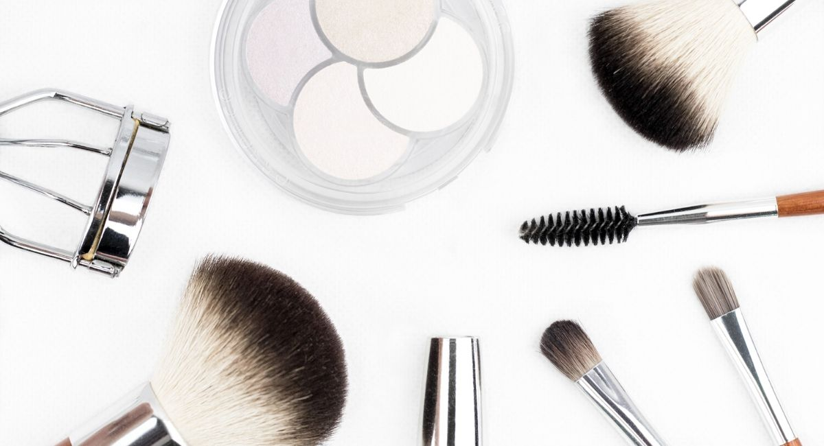 Makeup-necessities-makeup-tools