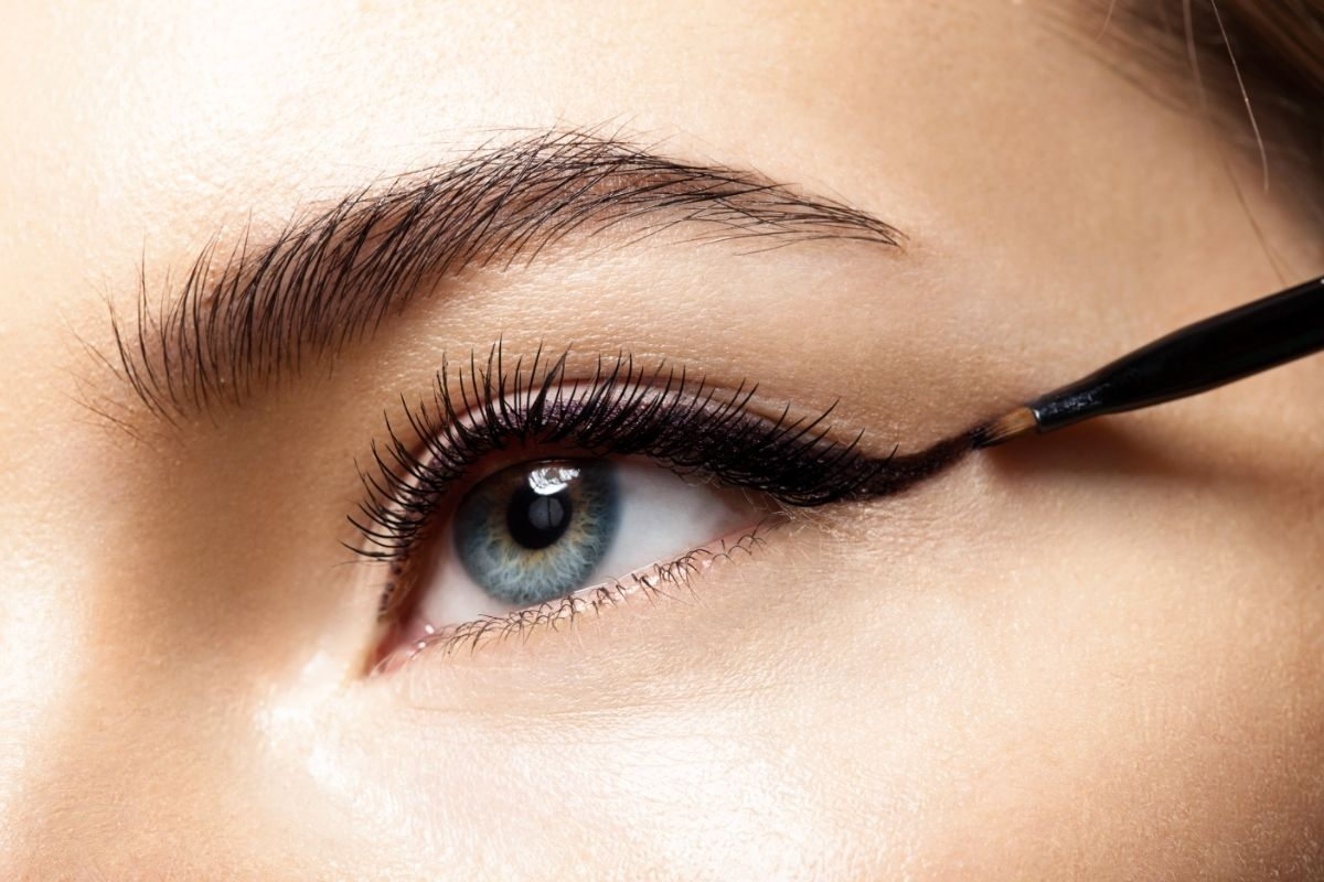 Can Eyeliner Cause Black Mucus